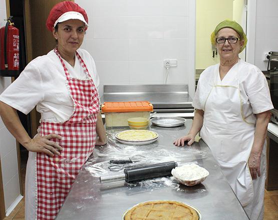 Gloria y Bárbara en el obrador