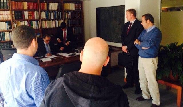 Firma en el notario de la inversión en Otogami